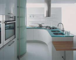 Misura per Effeti: Cucina in stile in stile Minimalista di Vegni Design