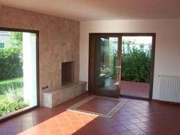 Salas de estilo moderno por Gianluca Vetrugno Architetto