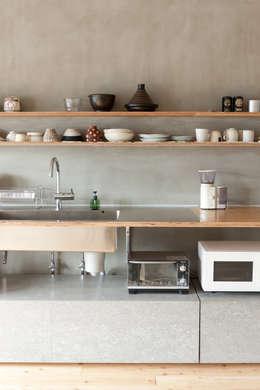Projekty,  Kuchnia zaprojektowane przez 苅部 寛子建築設計事務所 /OFFICE OF KARIBE HIROKO
