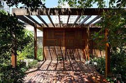 บ้านและที่อยู่อาศัย by ODVO Arquitetura e Urbanismo