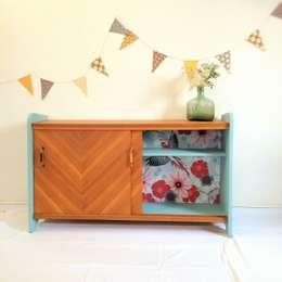Noelie, le meuble de rangement vintage des 50's: Chambre de style de style Scandinave par Chouette Fabrique
