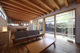 青木昌則建築研究所: iskandinav tarz tarz Oturma Odası