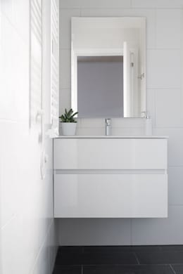 modern Bathroom by NOEM