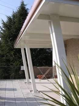 de estilo  por Studio di architettura arch. Roberta Mariano