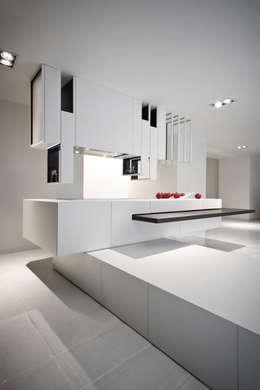 Cuisine de style de style Moderne par Alessandro Isola Ltd