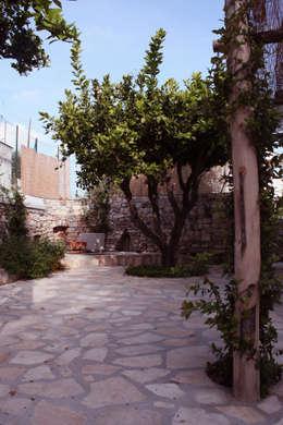 Jardines de estilo mediterraneo por Durango Studio di architettura e paesaggio