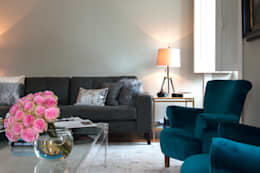 Living room: Sala de estar  por Home Staging Factory