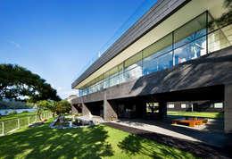 moderne Huizen door hyunjoonyoo architects