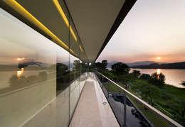 Terras door hyunjoonyoo architects