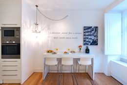 kitchen: Cozinhas minimalistas por Home Staging Factory