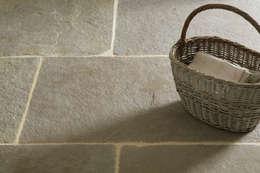 landhausstil Küche von Floors of Stone Ltd