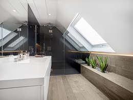 modern Bathroom by Tarimas de Autor