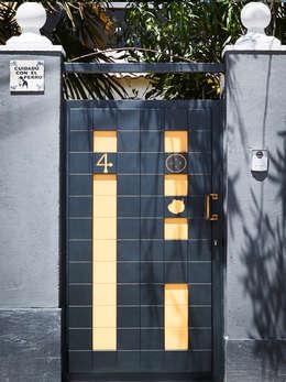 Окна и двери в . Автор – Puerta Bonita