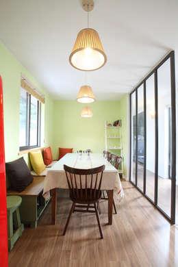 Ruang Makan by 주택설계전문 디자인그룹 홈스타일토토