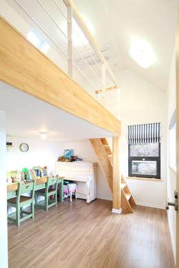 Quarto infantil  por 주택설계전문 디자인그룹 홈스타일토토