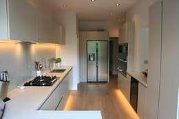 minimalistische Keuken door Place Design Kitchens and Interiors