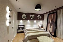 Mimoza Mimarlık – A. MORİTA EVİ  ANTALYA: modern tarz Yatak Odası