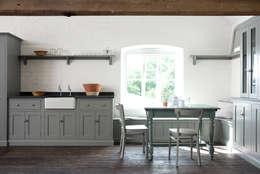 The Loft Shaker Kitchen by deVOL : rustic Kitchen by deVOL Kitchens