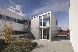 Tòa nhà văn phòng by addhome by KRAMER GmbH