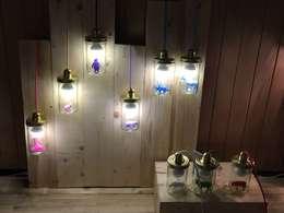 La lampe La tête dans le bocal: Chambre d'enfants de style  par La Tête dans le bocal
