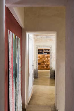 eclectische Gang, hal & trappenhuis door Studio Daido