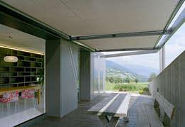 Tерраса в . Автор – AllesWirdGut Architektur ZT GmbH