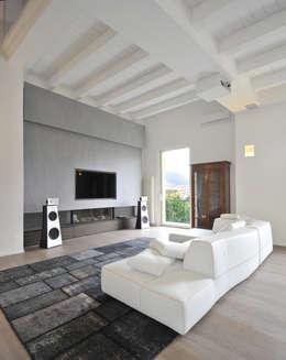 Multimedia room by  INO PIAZZA studio