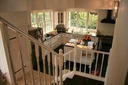 Projekty,  Kuchnia zaprojektowane przez THE WHITE HOUSE american dream homes gmbh