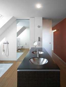 moderne Badkamer door Dipl.-Ing. Michael Schöllhammer, freier Architekt