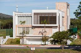 منازل تنفيذ Mantovani e Rita Arquitetura