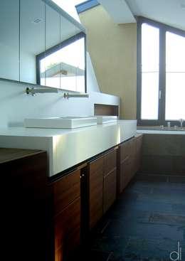 moderne Badkamer door di architekturbüro