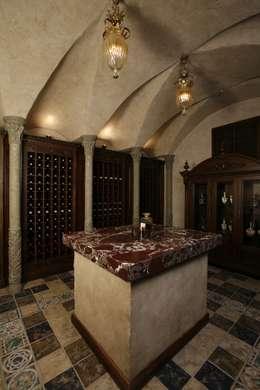 Cave à vin de style de style Colonial par Дизайн интерьера Проценко Андрея