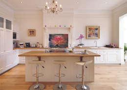 Harvey Jones Kitchens: klasik tarz tarz Mutfak