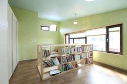 moderne Slaapkamer door 주택설계전문 디자인그룹 홈스타일토토