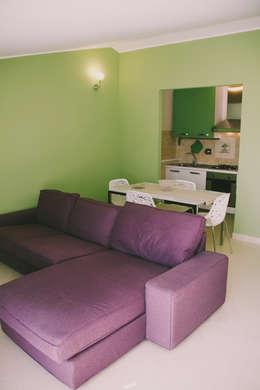 rimodernare il soggiorno: 5 colori per 5 idee da copiare - Parete Soggiorno Fucsia 2