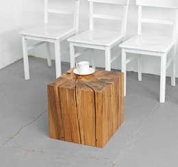 Salas/Recibidores de estilo minimalista por Holzgeschichten