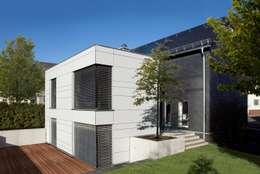 Projekty, nowoczesne Domy zaprojektowane przez Fachwerk4   Architekten BDA