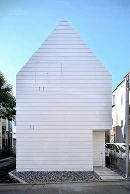 Casas de estilo minimalista por Niji Architects/原田将史+谷口真依子