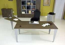 Una scrivania angolare per fare bello l\'ufficio