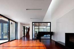 단산리주택 Dansanli House: ADF Architects의  거실