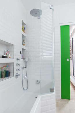 حمام تنفيذ Lise Compain
