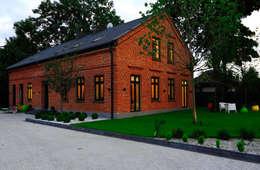 Dom Widzewska: styl nowoczesne, w kategorii Domy zaprojektowany przez REFORM Konrad Grodziński