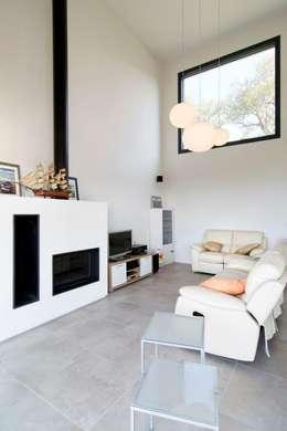 mediterranean Living room by HOUSE HABITAT