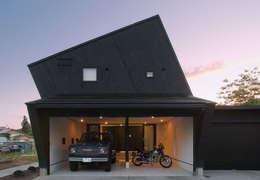 Nhà để xe/Nhà kho by アースワーク一級建築士事務所