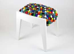 Taboret FELT: styl , w kategorii Salon zaprojektowany przez Marcin Skubisz Group