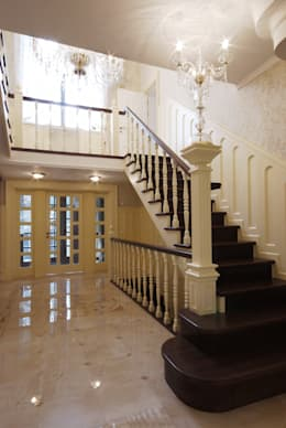 classic Corridor, hallway & stairs by D&T Architects