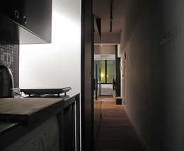 minimalistic Corridor, hallway & stairs by OneByNine