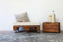 Maison de style  par ECOdECO Mobiliario