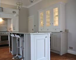 Fitted Kitchen, Newton Mearns, Glasgow, Scotland: classic Kitchen by Glenlith Interiors (Scotland) Ltd