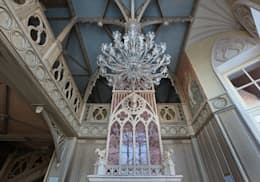Потолок гостиной: Гостиная в . Автор – Студия Анны Куликовой и Павла Миронова